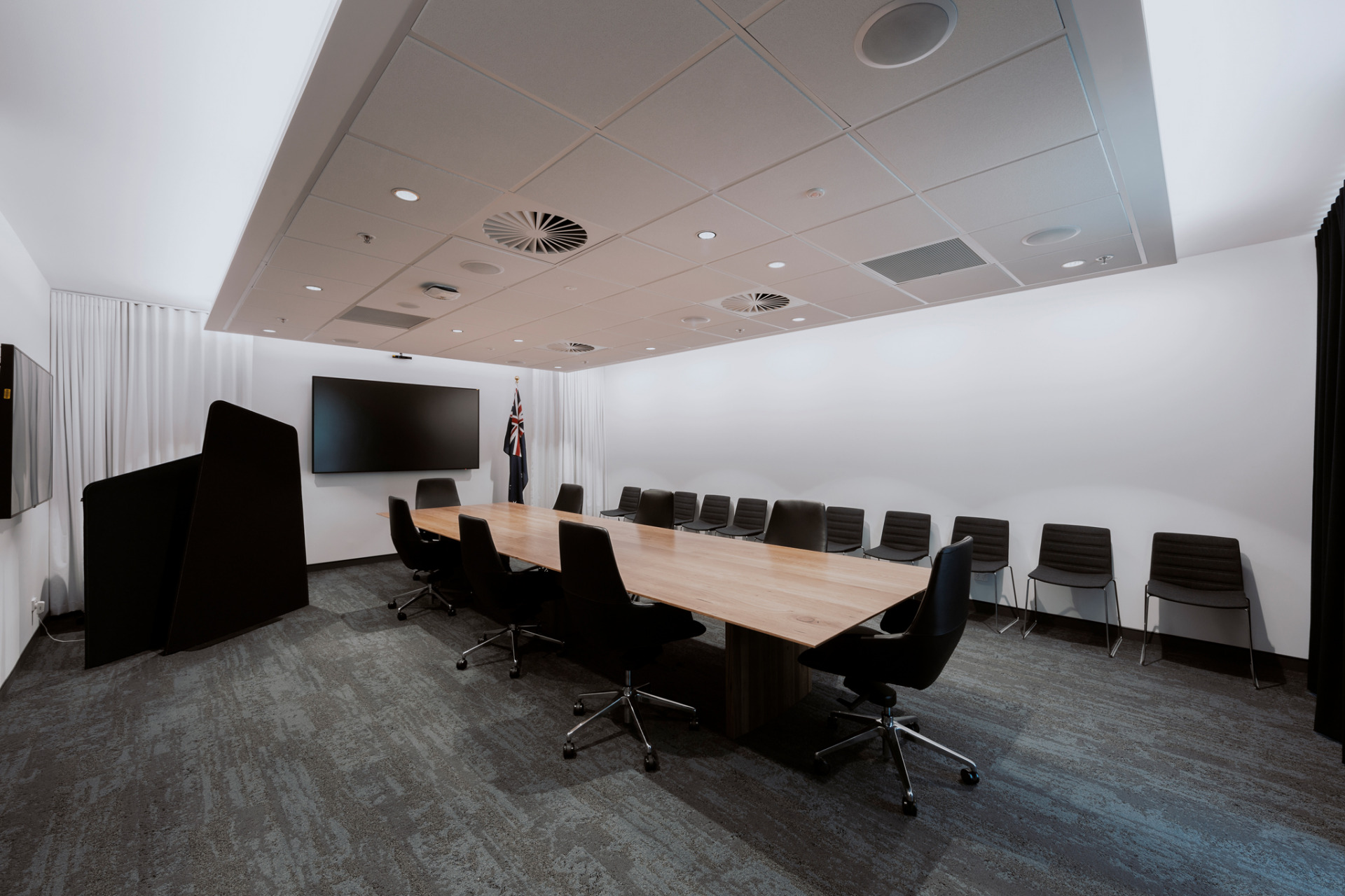 Image-of-SQC-Group-Department of Defence State Room03