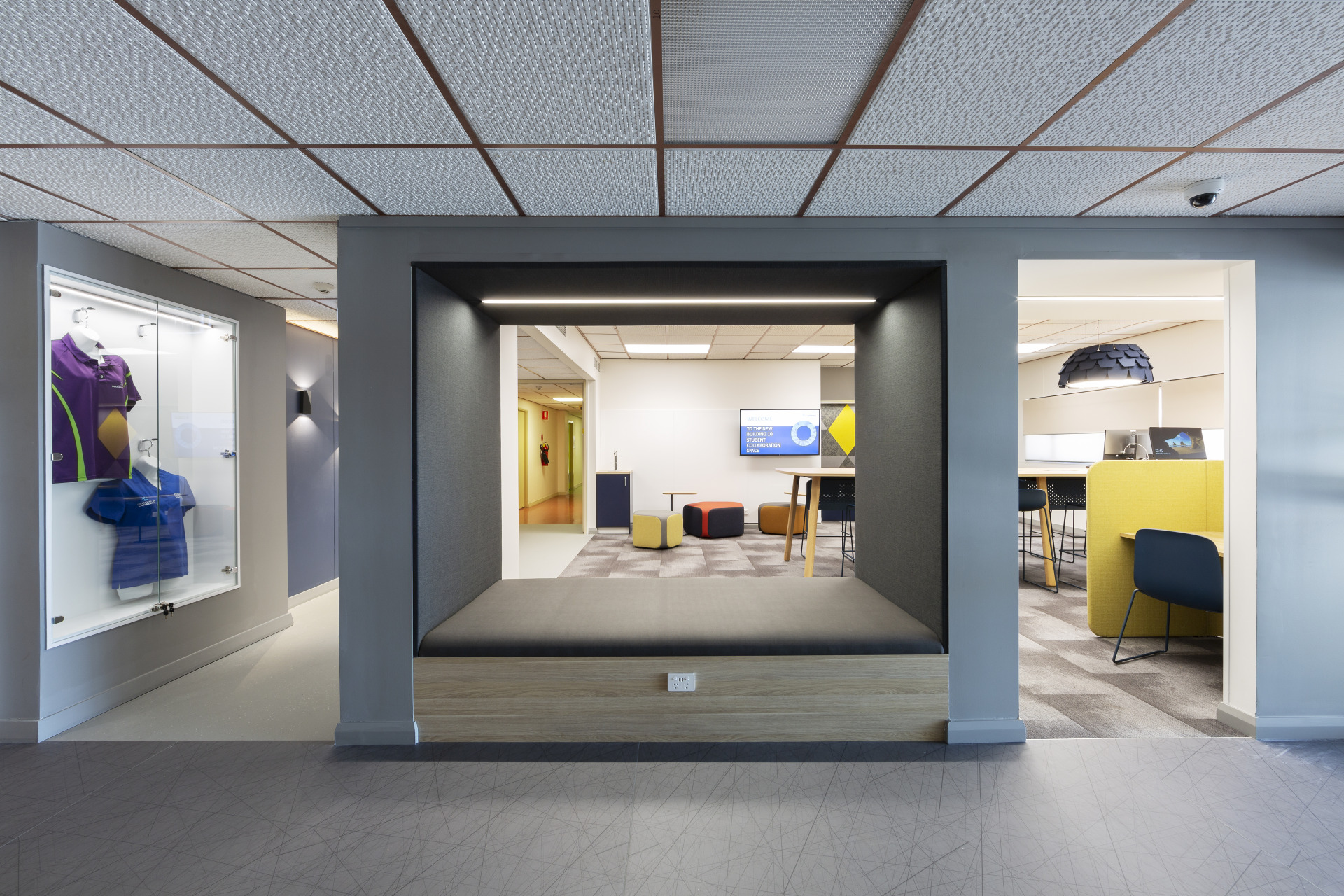 Image-of-SQC-Group-UC-Nurse's-Collaboration-Space05